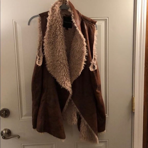 Maurices Jackets & Blazers - Maurice's faux fur lined vest. Like new.